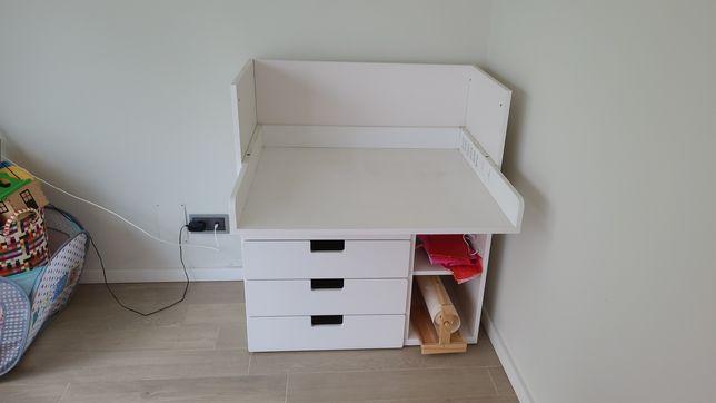 IKEA trocador para muda fraldas.