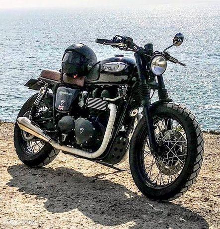 Triumph Bonneville T100 Black Edition