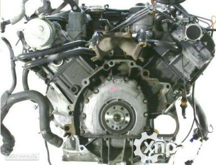 Motor AUDI A4 (8E2, B6) 2.5 TDI | 07.99 - 12.04 Usado REF. AKE
