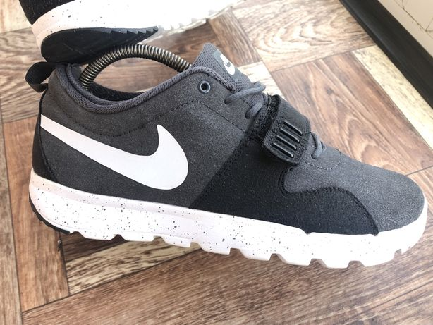 Кроссовки Nike SB Trainerendor