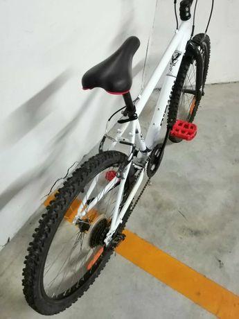 Bicicleta de montanha em bom estado para 10-12 anos