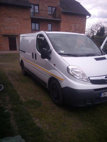 Opel Vivaro, blaszak 2.5