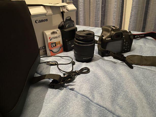 Camara Canon EOS 2000D