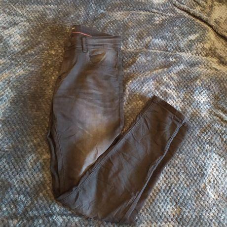 Spodnie jeansowe House