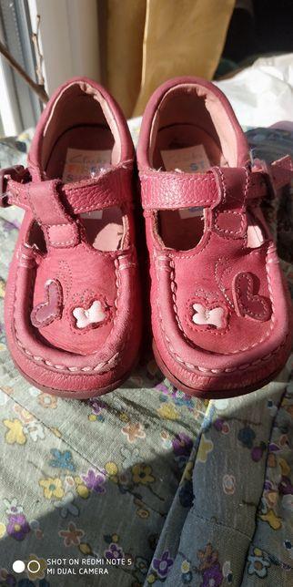 Кожаные туфельки для девочки