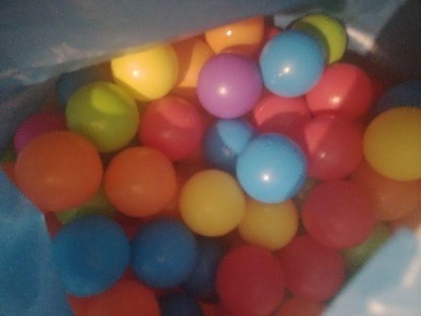 Plastikowe kolorowe kulki ponad 500 szt
