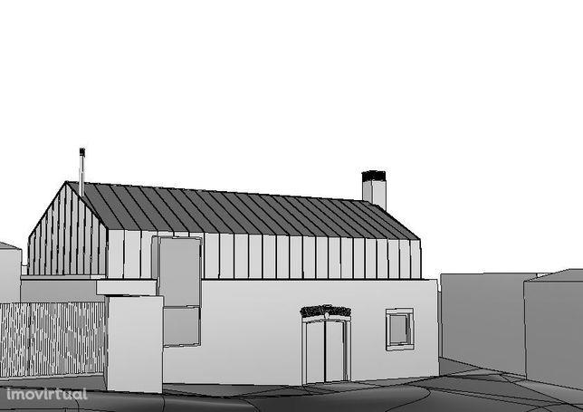 Casa antiga com projecto aprovado - a 10 minutos da cidade de Caldas