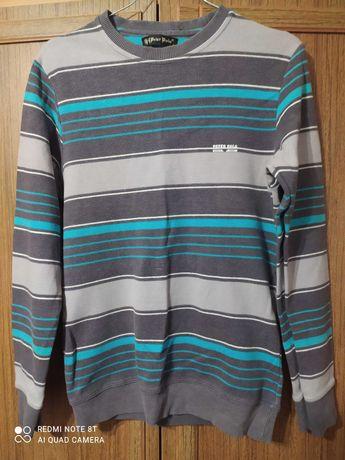 Продам светер в гарному стані 48 розмір..