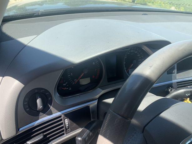 Audi A6c6 Deska / kokpit szary / szara a6 c6, komplet