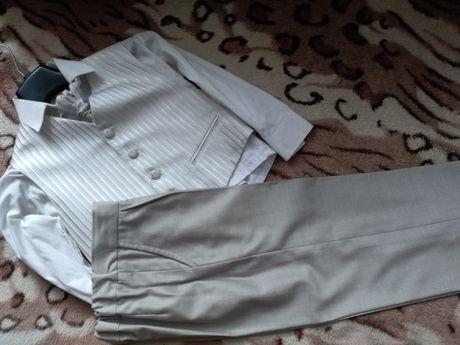 Zestaw,komplet kamizelka,spodnie koszula,plastron