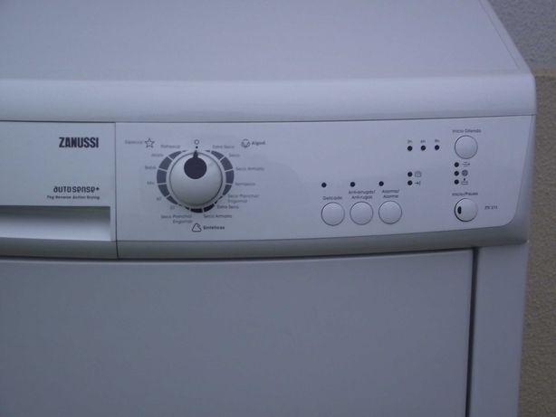 Máquina secar roupa Zanussi 7Kg condensação