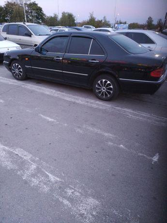 Mercedes e230 elegance на газу в отличном состоянии