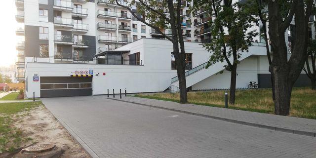 Garaż podziemny - miejsce parkingowe do wynajęcia