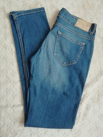 Jeansy slim fit Reserved W. 27/32