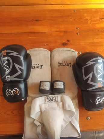 Боксерские перчатки (комплект)