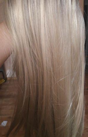 Sprzedam blond perukę włosy syntetyczne .