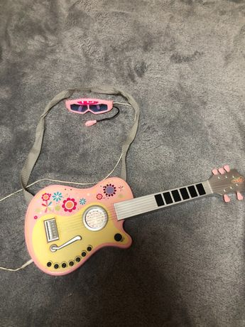 Gitara elektryczna z mikrofonem