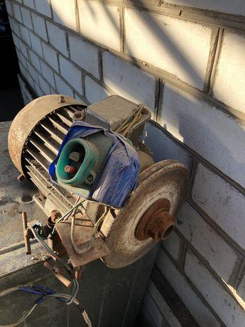 Електро двигатель (наждак)