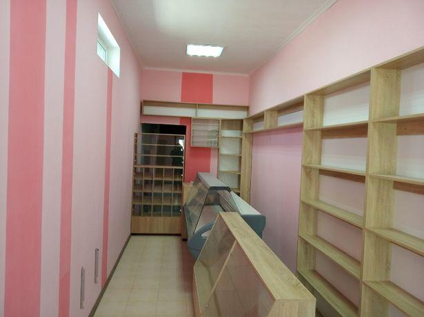 Мебель для магазина, витрина, стеллаж, торговое оборудование.