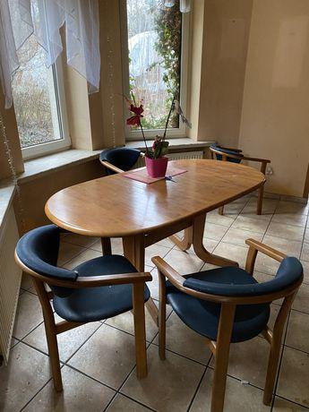 Stół z krzesłami rozkladany