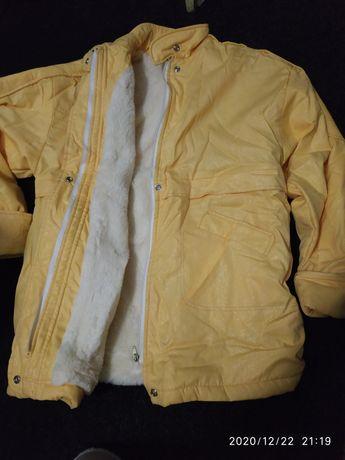 Продам куртку женскую на меху