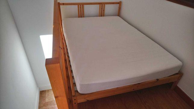 Cama de casal em pinho + colchão ( IKEA )