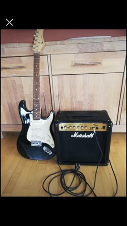 Elektryczna gitara i piecyk Marshall