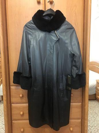 Продаю кожаный плащ пальто с меховой отделкой из меха шиншиллы