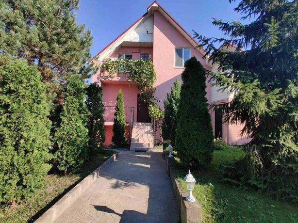 Аренда двухэтажного  дома в Голосеевском районе, 100 м от озера и леса