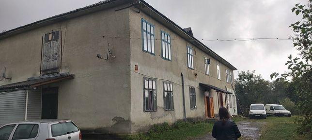 Продається 2х кімнатна квартира із земельною ділянкою