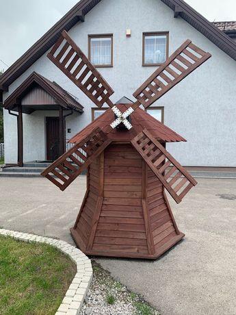 Wiatrak drewniany