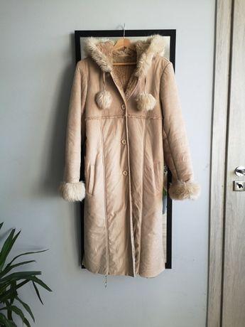 Długi płaszcz zimowy kożuch z kapturem S M futerko pompony