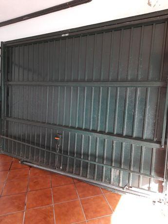 Portão de Garagem Basculante 215x310 com automatismo