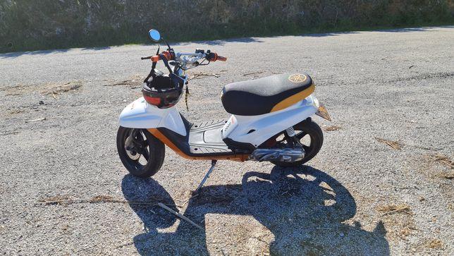 Troca ou venda por algo do meu agrado, motas com mudanças.