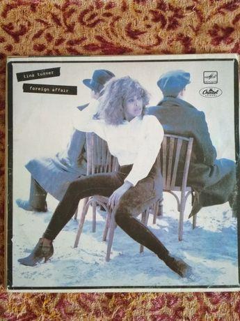 Пластинки Bon Jovi Cris Ri Madonna Gaudi Turner Elton John Wonder Elan