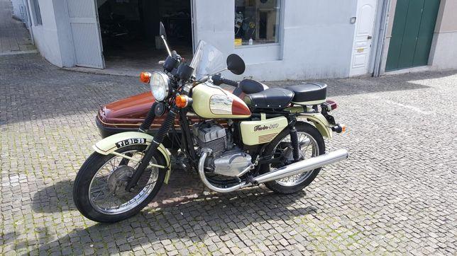 Mota com sidecar Jawa 350cc