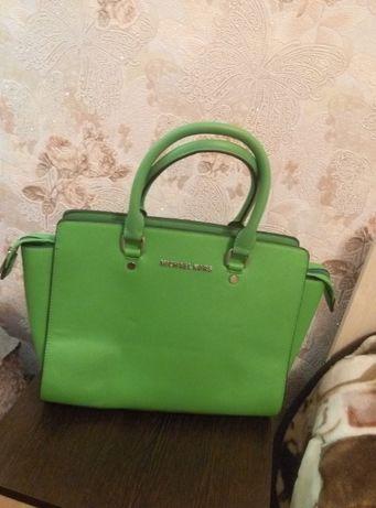 Новая яркая сумка сумочка
