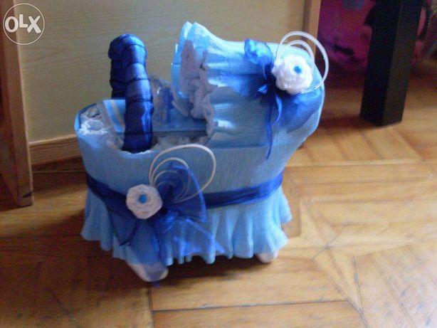 wózek z pampersów + smoczek