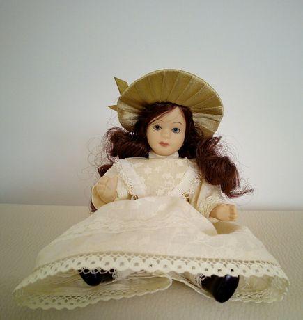 Porcelanowa lalka wysokość 21 cm
