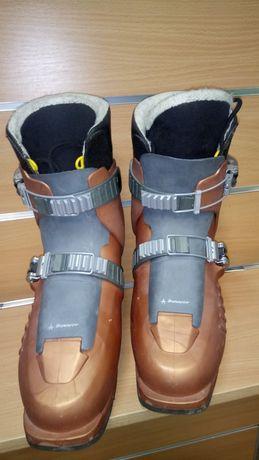 Горнолыжные ботинки размер 38-39