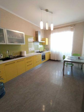 Продаж 3-кім. квартири на просп. Чорновола