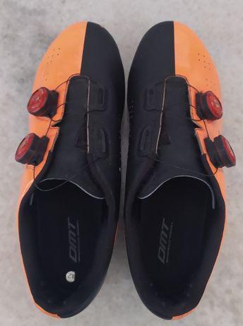Sapatos DMT estrada