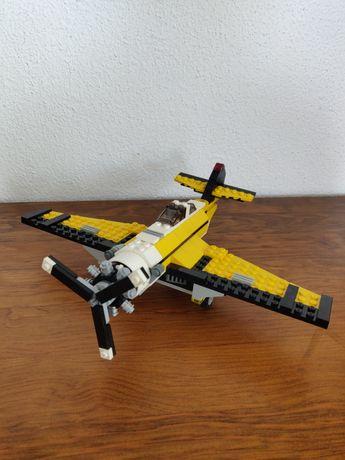 Avião lego