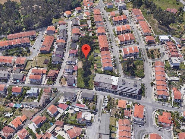 Terreno em Ferreiros para construção de moradias e prédio