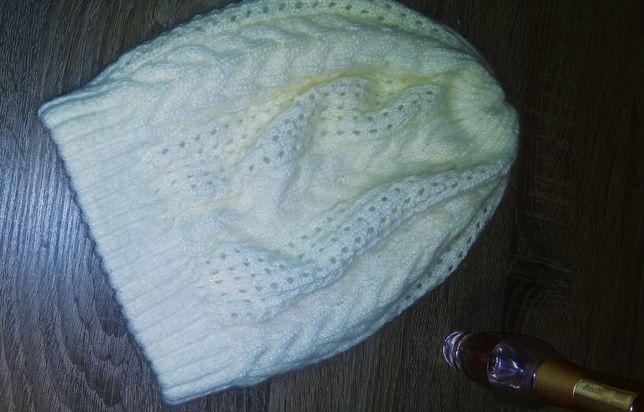Теплая зимняя модная женская ,шапка можно подростку