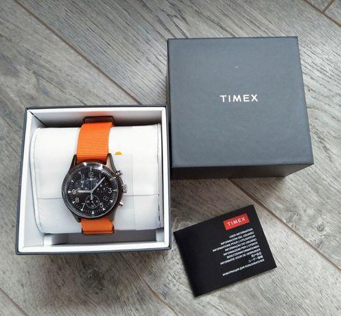 Timex Chronograph / NEW