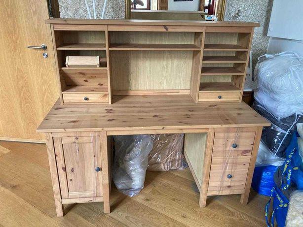 Vendo secretária Hemnes + estante em madeira maciça e como novas