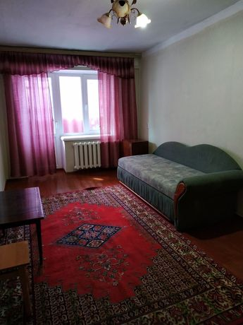 Здається 1 кім квартира р-н Степана Бандери