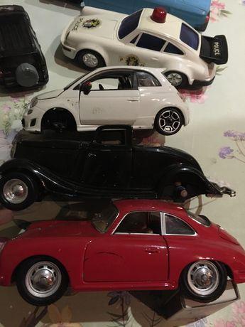 Модели машин розкомплектованые.