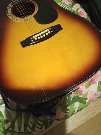 Sprzedam gitarę akustyczną 180 zl